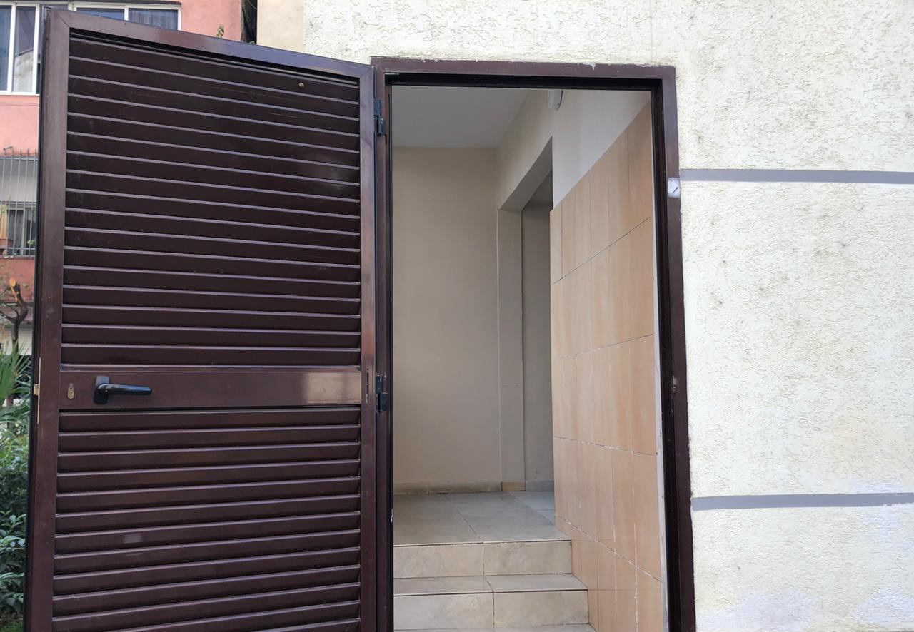 SHITET AMBIENT BIZNESI +GARSONIERE TIRANË 135000 EURO/TOTAL