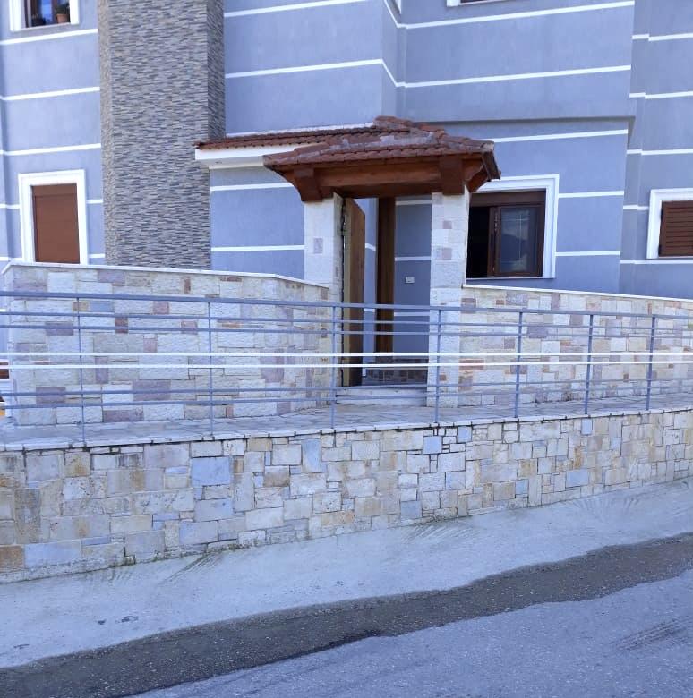 Shitet Apartament  2+1, Himare